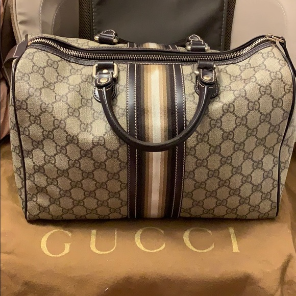 94e21c791 Gucci Handbags - 100% Authentic Gucci Joy Boston medium bag